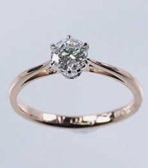 三世代に受継がれた婚約指輪